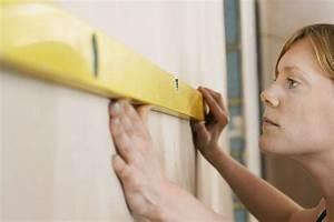Große Bilder Aufhängen : wasserwaagen im einsatz bilder richtig aufh ngen und ~ Lateststills.com Haus und Dekorationen