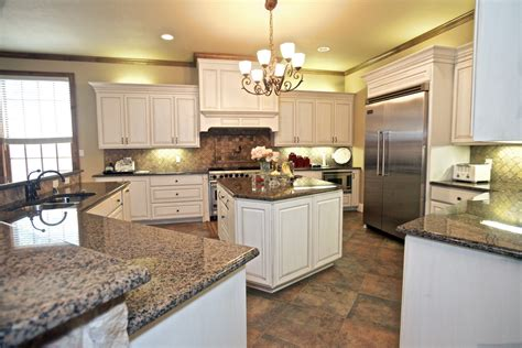 kitchen islands for 7816 purdue in hpisd for lease 5 000 sq ft bill 5255