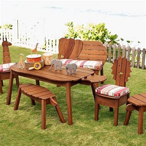 Kindersitzgruppe Für Garten Mit Sonnenschirm In Waiblingen