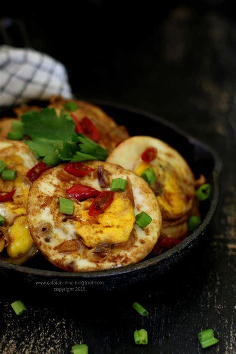 Maka dari itu, mengolah resep makanan sendiri di rumah menjadi penting untuk mendapatkan makanan yang lebih sehat. TELUR CEPLOK MASAK KECAP   Catatan-Nina