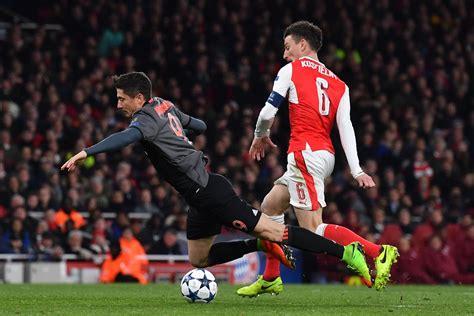 Arsenal 1-5 Bayern Munich, Napoli 1-3 Real Madrid: UEFA ...