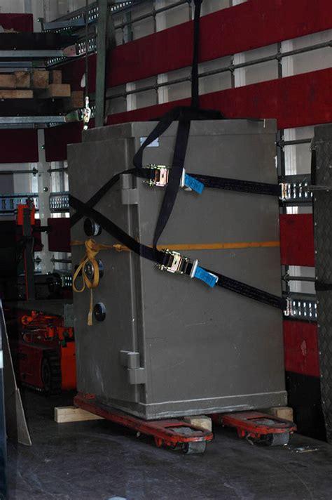 coffre fort la poste d 233 m 233 nagement de coffre fort aux porteurs transport manutention