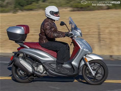 Piaggio Beverly Hd Photo by 2013 Piaggio Bv 350 Review Photos Motorcycle Usa
