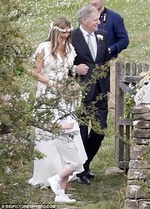Piers Morgan and Celia Walden tie the knot in quaint glitz ...