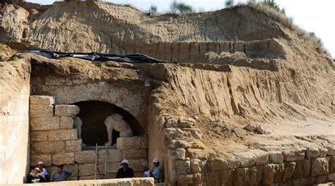 amphipolis tomb  shrine  alexander  greats  friend hephaestion