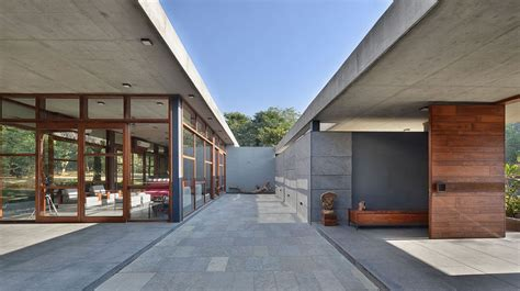 Eco-sensitive Holiday Home Relies On Locally Sourced Stone