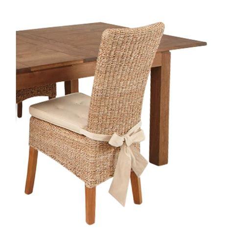 coussins pour chaises coussin pour chaise en rotin abaca table de lit a roulettes