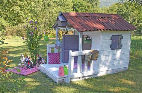 cabane enfant fille les cabanes de jardin abri de