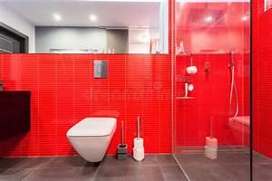 Fliesen Auf Fliesen : rote fliesen auf der wand stockfoto bild von sauber 47380736 ~ Frokenaadalensverden.com Haus und Dekorationen