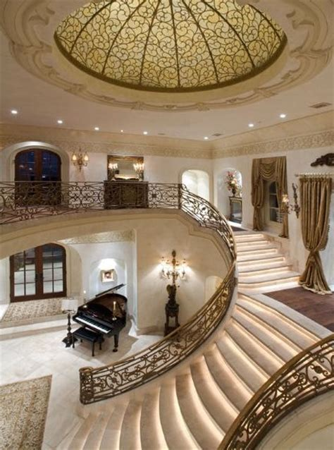 grand lakefront manor  pricey pads