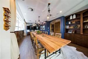 Deco bureau design les locaux uniques d39airbnb a syndey for Decoration salle de reunion