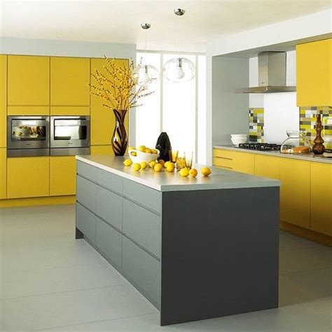clever kitchen cabinet color combination