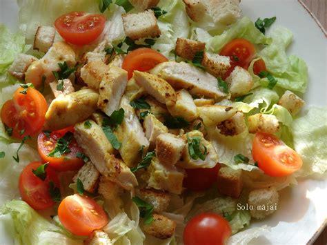 Solo mājai: Vistas salāti ar grauzdiņiem