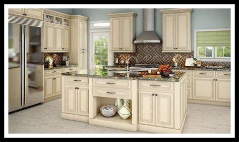 kitchen cabinets   lenox country linen antique