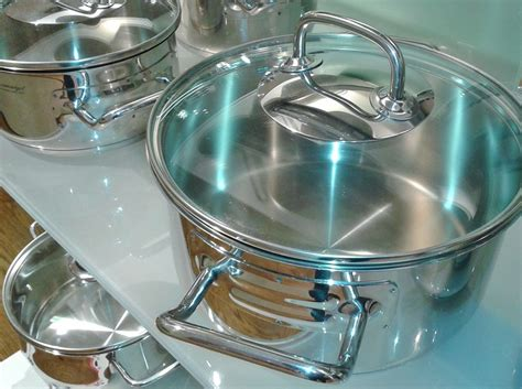 cookware material    pots  pans