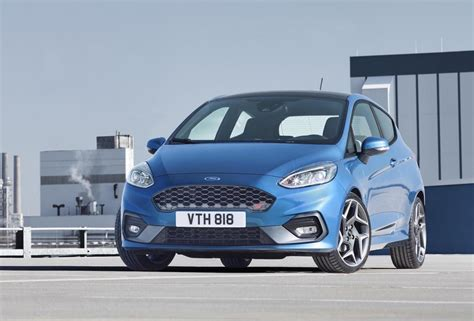 2017 Ford Fiesta St Officially Revealed, Gets 1.5t 3cyl