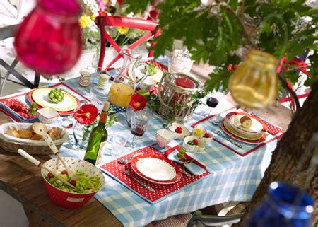 home dzine garden set  outdoor table  alfresco dining