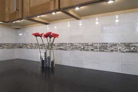 subway tile backsplash ideas Kitchen Contemporary with
