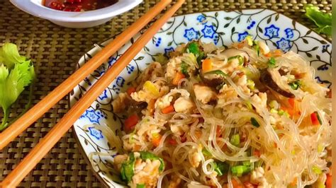 Resep nasi goreng chinese food resep rumahan tidak murahan. Soun Goreng Ala Chinese Food - YouTube
