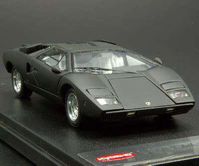 Kyosho: Lamborghini Countach LP400 - Black (04101BK) in 1 ...