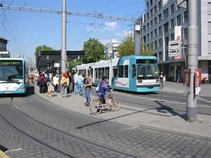Bus Mannheim Berlin : stra enbahn und bushaltestelle beim mannheimer hauptbahnhof aufgenommen am ~ Markanthonyermac.com Haus und Dekorationen