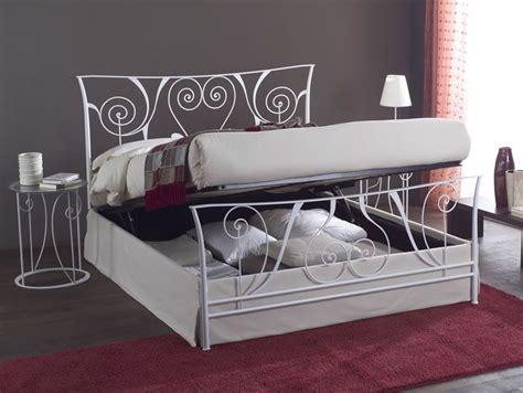 letto in ferro battuto con contenitore letto ferro contenitore search above and around