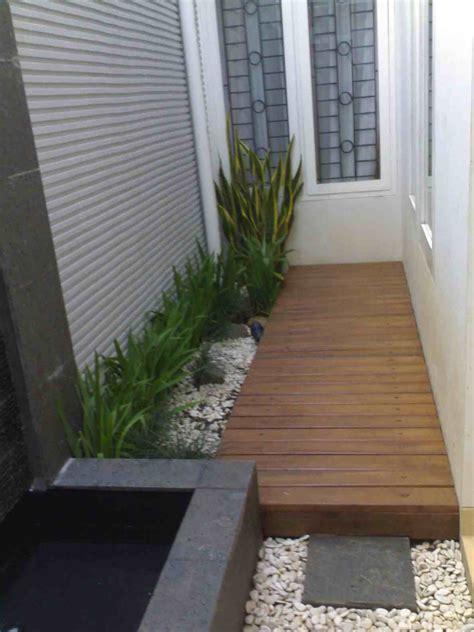 contoh taman kecil  belakang rumah gambar desain rumah
