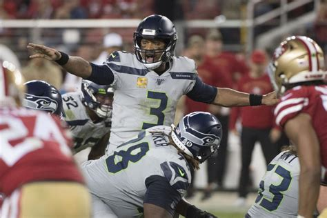 russell wilson seahawks hand ers  loss  mnf