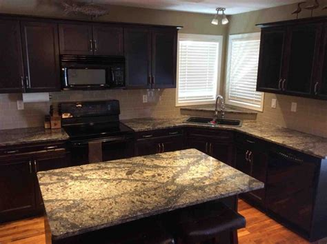 how to glaze kitchen cabinets best 25 taupe kitchen ideas on grey cabinets 7254