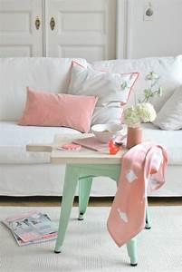 la couleur saumon les tendances chez les couleurs d With tapis de couloir avec canapé 3 places gris et blanc