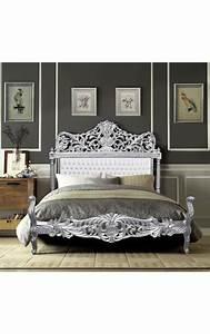 Lit Style Baroque : lit baroque tissu simili cuir blanc avec strass et bois argent ~ Teatrodelosmanantiales.com Idées de Décoration