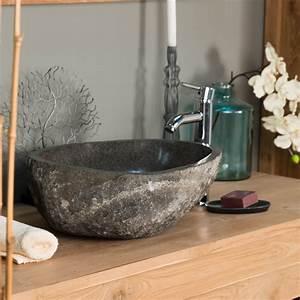 vasque a poser en pierre naturelle vasque naturelle With salle de bain design avec vasque en galet de riviere