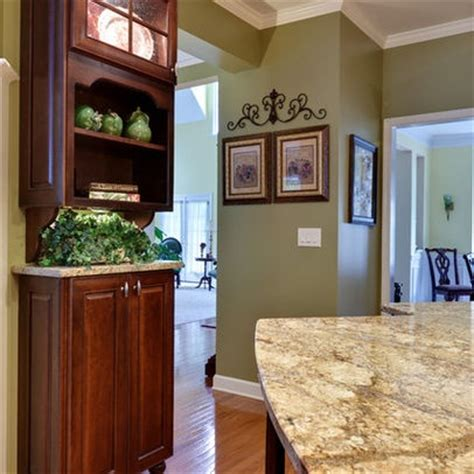 kitchen wall paint colors with cherry cabinets 1000 images about kitchen on traditional