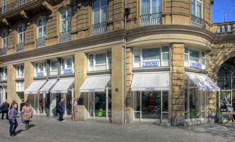 Rimowa Flagship Store Köln by 파일 Rimowa Flagshipstore K 246 Ln 3379 81 Jpg 위키백과 우리 모두의 백과사전