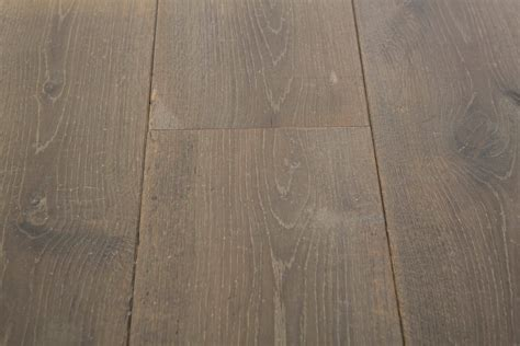 3 Oak Floor Product   Distressed Vendome