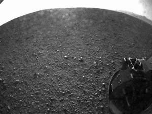 New Mars Photos From NASA's Curiosity Rover Landing