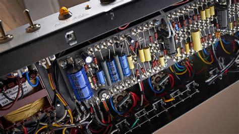 handwired  pcb amps whats  difference musicradar