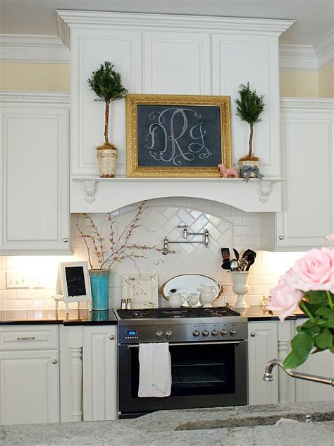 range hood christmas decorating ideas decorating for the seasons in julie s white kitchen hooked on houses