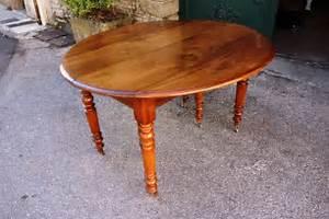 Table En Noyer : table louis philippe en noyer massif xixe si cle ~ Teatrodelosmanantiales.com Idées de Décoration