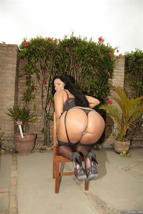Big Booty Latina Solo Squirt