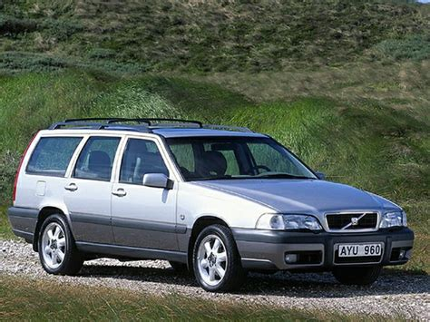 volvo  xc se dr  wheel drive station wagon