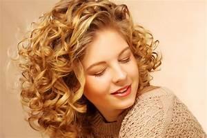 Comment Attacher Ses Cheveux : comment entretenir et coiffer une permanente ~ Melissatoandfro.com Idées de Décoration