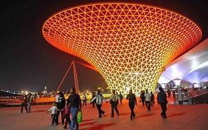 China breaks record after 70m people visit Shanghai Expo ...