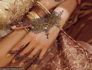 17 meilleures id 233 es 224 propos de mains tatou 233 es au henn 233 sur dessins au henn 233 pour la