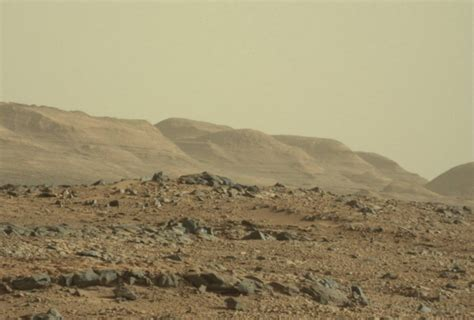 curiosity rover arrives  mount sharp