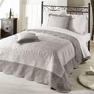 Couvre Lit Matelassé Ikea : couvre lit 220 x 240 cm matelass edana taupe linge de lit eminza ~ Melissatoandfro.com Idées de Décoration