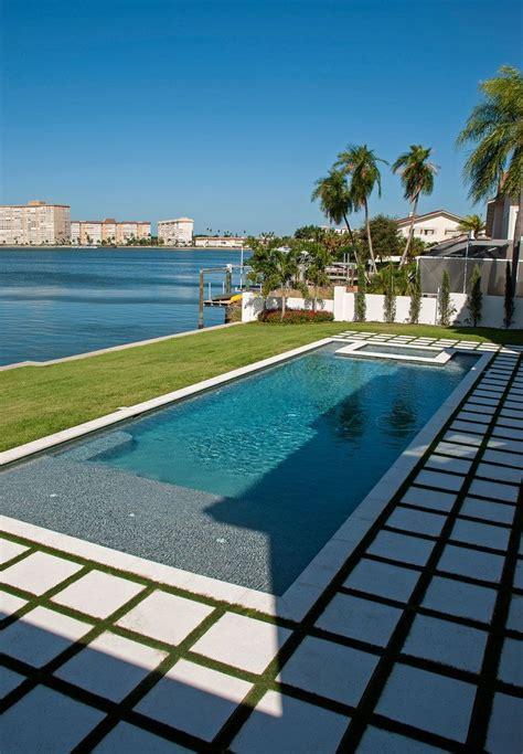 Modern — Sekas Custom Pools in 2020   Cool swimming pools ...
