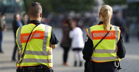 Aug 06, 2020 · die bisher hier verortete meldelage haben wir technisch überarbeitet und an neuer stelle verortet: Corona NRW: Städte melden viele Verstöße gegen Quarantäne ...