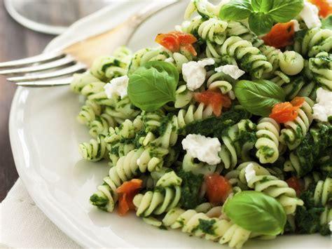 Dažādi salāti un pašu gatavotas mērces | Kulinārijas kurss ...
