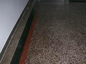 Neuer Belag Auf Alte Fliesen : terrazzo reinigen terrazzob den schleifen wir sanieren ihren terrazzoboden in berlin stein ~ Orissabook.com Haus und Dekorationen